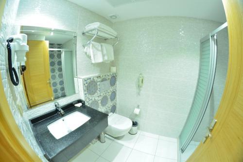 Ванная комната в Bayazıt Hotel