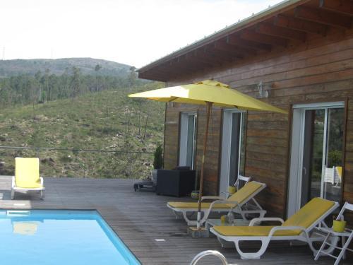 The swimming pool at or near Casa Da Mo