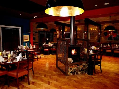 A restaurant or other place to eat at Lord Bagenal Inn