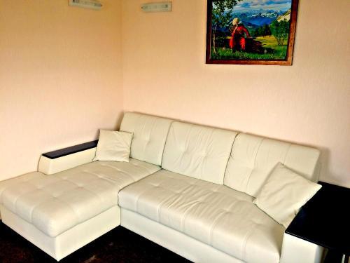 A seating area at Sportivno-turisticheskaya baza Oshten