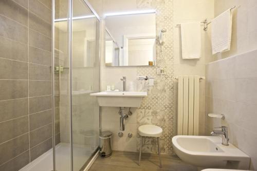 Ein Badezimmer in der Unterkunft Albergo Pesce D'oro