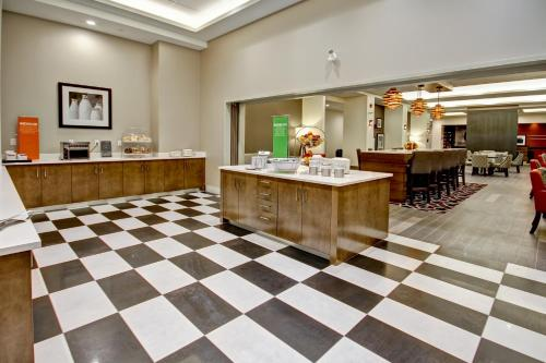 A restaurant or other place to eat at Hampton Inn & Suites - Medicine Hat