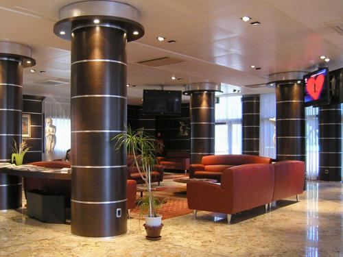 The lounge or bar area at Dado Hotel International