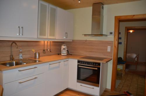 Küche/Küchenzeile in der Unterkunft Ferienwohnung Grössenberg