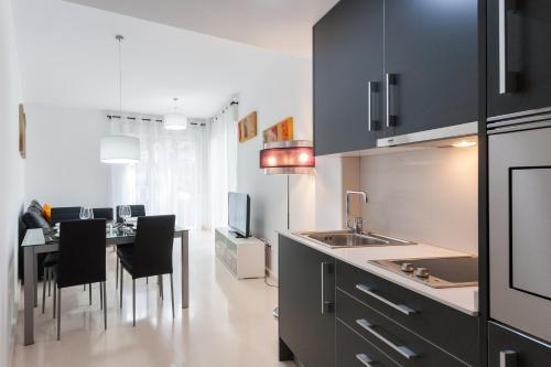Una cocina o zona de cocina en My Loft 4 You Na Jordana