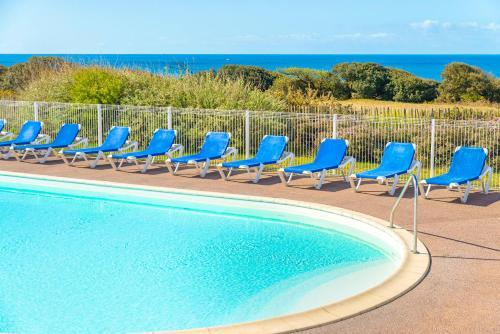 The swimming pool at or near Lagrange Vacances L'Estran