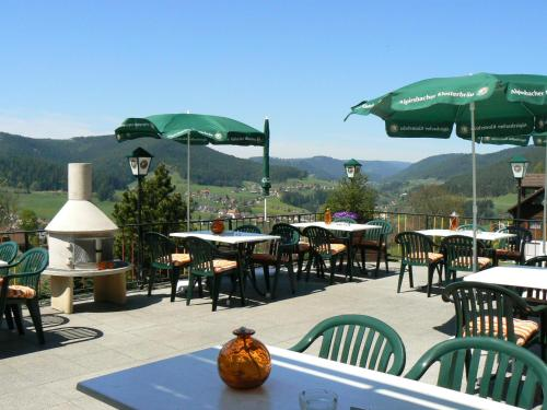 Een restaurant of ander eetgelegenheid bij Pension Garni Talblick