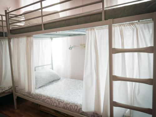 A bunk bed or bunk beds in a room at Kremlin Lights - Rent Rooms
