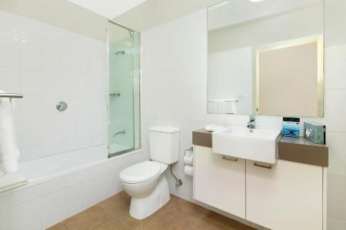 A bathroom at Quest Maitland