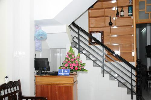 The lobby or reception area at Bien Khoi Mini Hotel