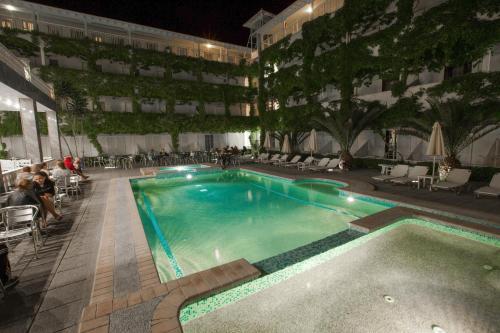 Πισίνα στο ή κοντά στο Bomo Olympic Kosma Hotel & Bomo Villas