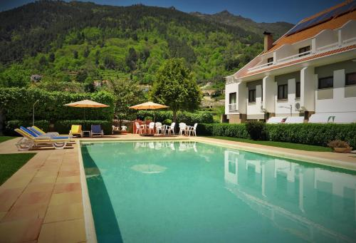 The swimming pool at or close to Hotel Berne