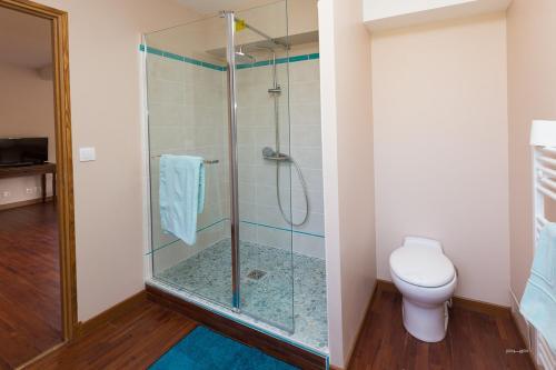 Salle de bains dans l'établissement Auberge du Manoir d'Archelles