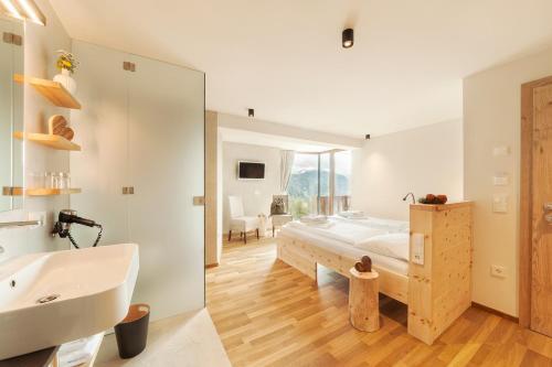 A bathroom at Herolerhof