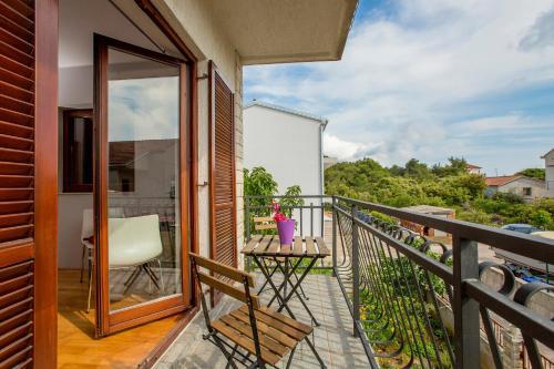 A balcony or terrace at Ava apartmani