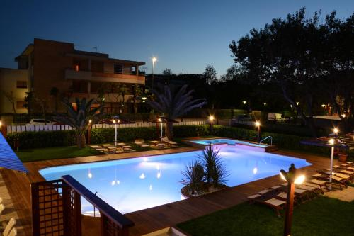 The swimming pool at or near Hotel Spiaggia