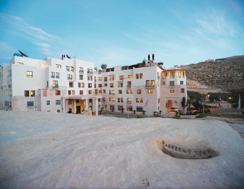 O edifício onde o resort está situado