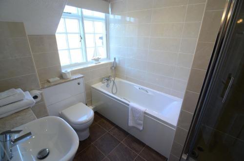 A bathroom at Ellerby Country Inn