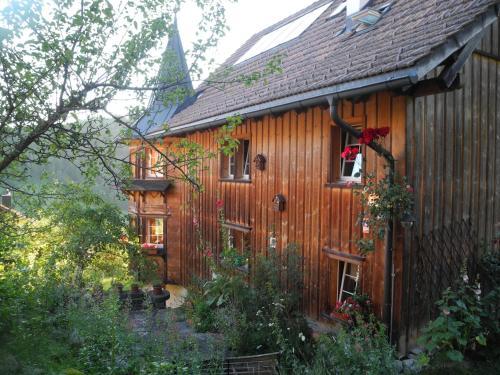 Ein Garten an der Unterkunft B&B Casa Claudia