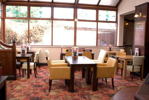 A restaurant or other place to eat at George & Dragon