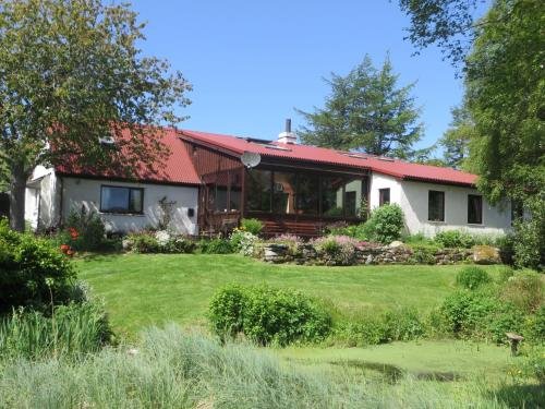 Invercassley Cottage B & B Suite