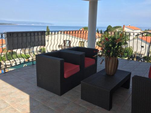 A balcony or terrace at Apartments Antonia