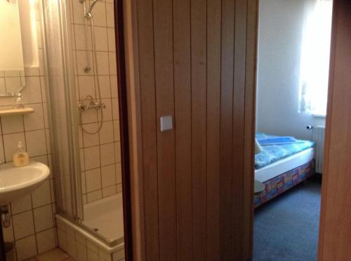 Ein Badezimmer in der Unterkunft Landhotel Zum Rautenkranz