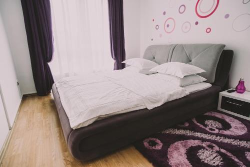 O cameră la Penthouse Ambiance Brasov