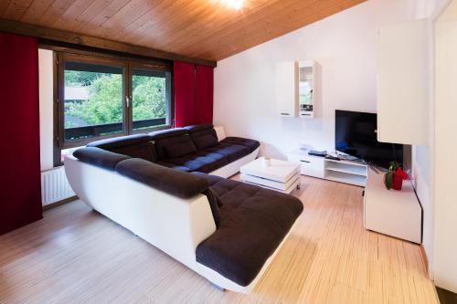 A seating area at W & S Executive Apartments - Hallstatt I