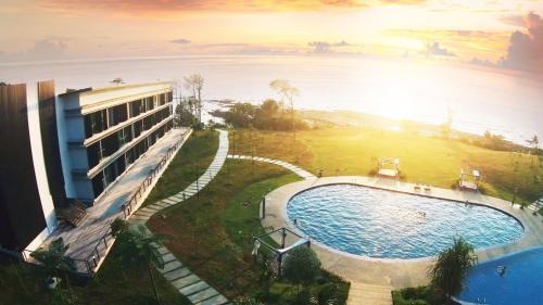 A bird's-eye view of Samalaju Resort Hotel
