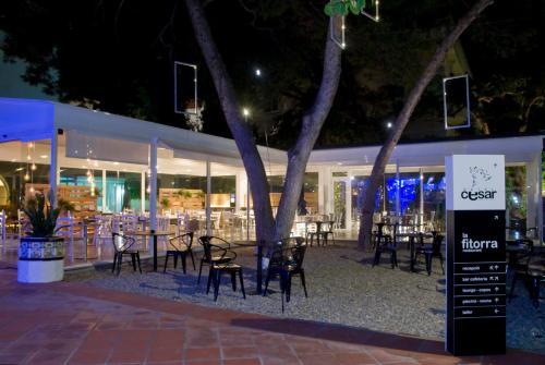 Un restaurante o sitio para comer en Cèsar