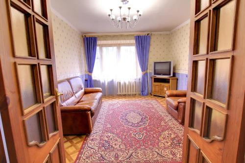 A seating area at Щёлковские квартиры - Советский 5А