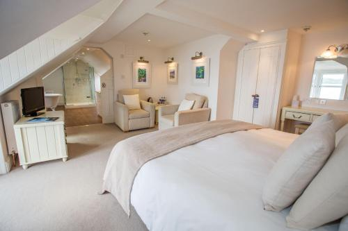 A room at Glenisle Hotel