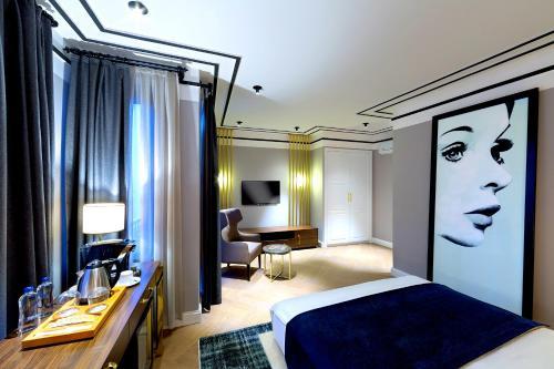 A room at Walton Hotels Galata