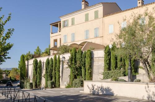 The facade or entrance of Maeva Particuliers Résidence Pont Royal en Provence