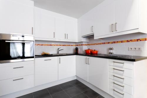 A kitchen or kitchenette at Helbronner