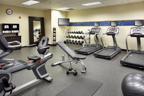 The fitness center and/or fitness facilities at Hampton Inn Cleveland-Downtown