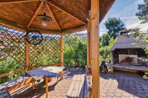 A porch or other outdoor area at Apartments Ljiljana