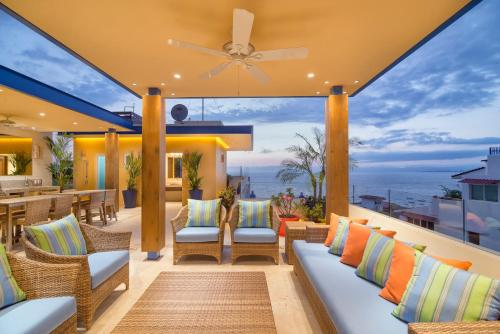 The lounge or bar area at V Azul Vallarta - Luxury Vacation Rental Adults Only