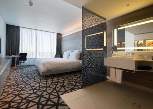 A room at Pullman Sydney Airport