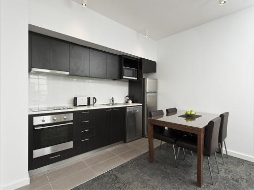 A kitchen or kitchenette at Quest Rockingham