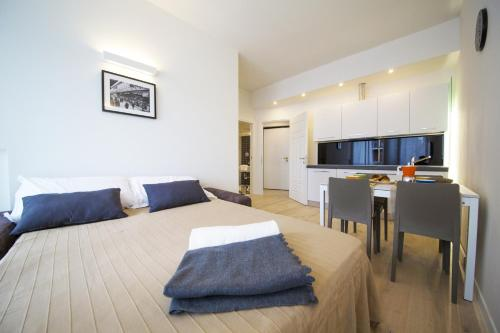 A room at TwoBros Apartment