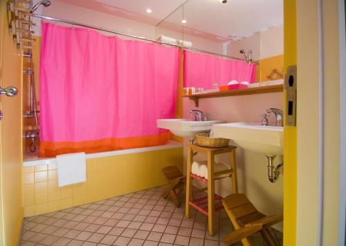 Een badkamer bij The Marmara Antalya