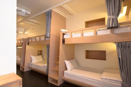 ファン イン 台北 ホステルにある二段ベッド
