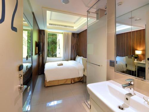ユーイン トラベル ホステルにあるバスルーム