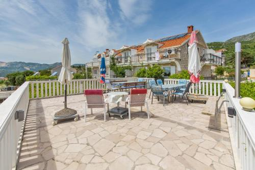 A patio or other outdoor area at Apartments Galic