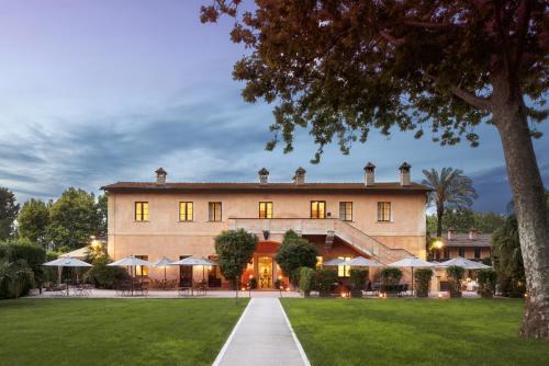 Jardín al aire libre en QC Termeroma Spa and Resort