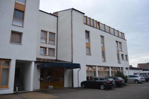 Eine Fassade oder ein Eingang zu Hotel Stadt Jessen