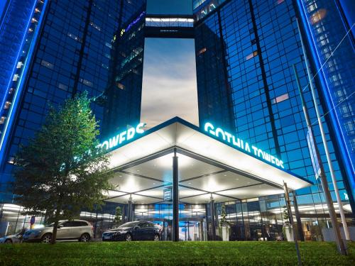 The facade or entrance of Gothia Towers Hotel