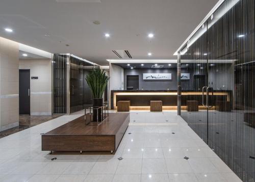 Area lobi atau resepsionis di Hotel Sardonyx Ueno